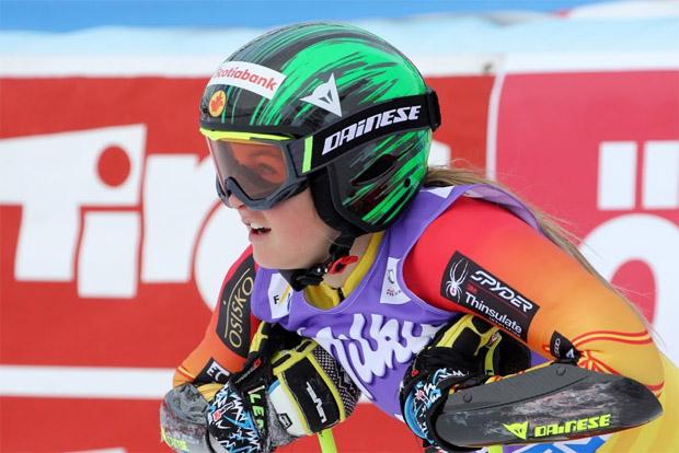 Mikaela Tommy (CAN) greift bei der Junioren-WM nach Riesenslalom-Gold