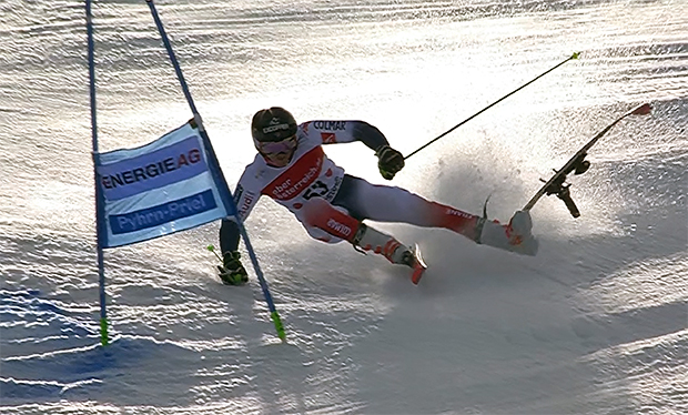 Franzose Léo Anguenot zittert um Ski Weltcup Opening in Sölden