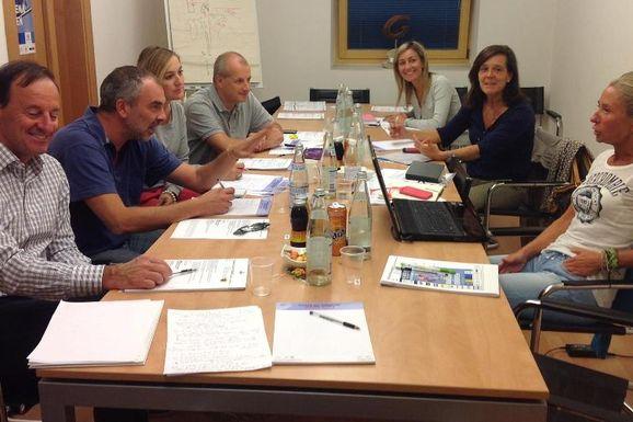 Die Vertreter der FISI und der Weltcup-Komitees beim Meeting in Gröden (Foto: Fisi)