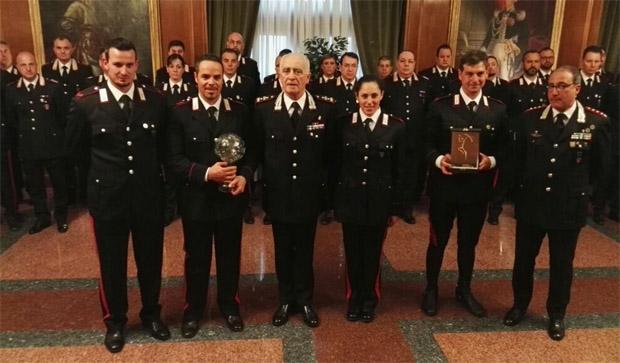 © Twitter / Arma dei Carabinieri: Großes Schaulaufen um Peter Fill, Domme Paris und Fede Brignone