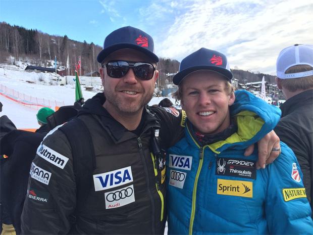 © usskiteam.com / Erik Arvidsson zusammen mit Coach Justin Johnson