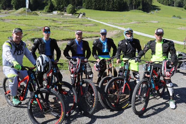 """Das Speed-Team mit """"Neuzugang"""" Frederic Berthold. (Foto: ÖSV/Aichner)"""