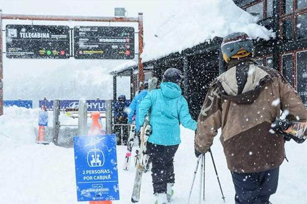 Auch das Chapelco Ski Resort hat den Betrieb wieder aufgenommen (Foto: © skigu.ru)