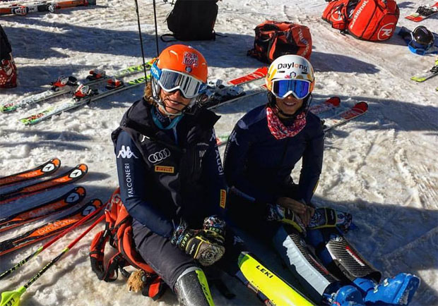 Chiara Costazza und Irene Curtoni beim Training in Saas Fee (Foto: Chiara Costazza / Facebook)