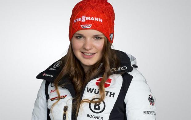 Fabiana Dorigo feiert beim Super-G von La Thuile ihr Weltcup-Debüt (© Foto: Deutscher Skiverband)
