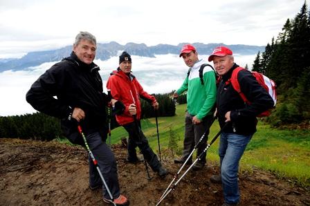 Bild v.l.n.r.: Günther Hujara (FIS Renndirektor), Helmut Schmalzl (FIS Renndirektor Herren Abfahrt/Super G), Rudi Stocker (Rennleiter Herren, schladming2013), Hans Grogl (Direktor Sport schladming2013)