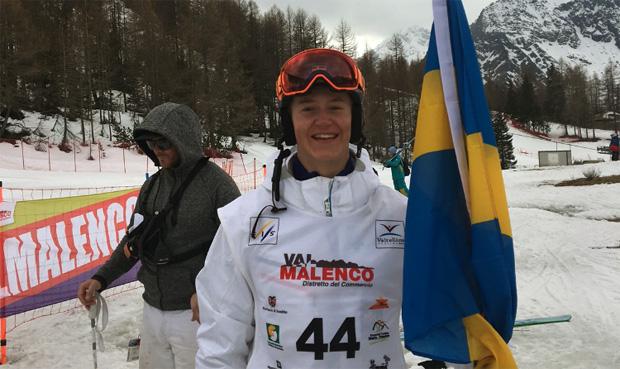 Tobias Hedström holt sich die Junioren-WM-Goldmedaille in der Kombi (Foto: Skidor.com)