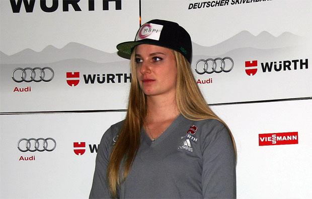 """Jessica Hilzinger im Skiweltcup.TV Interview: """"Verletzungspause schmerzt sehr."""""""