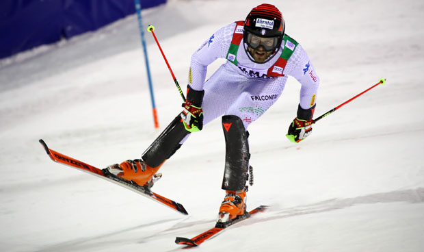 © Archivio FISI: Simon Maurberger hat beim EC-Slalom in Val Cenis erneut die Nase vorn. (Foto: Alessandro Trovati/Pentaphoto)