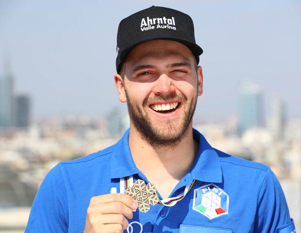 "Simon Maurberger: ""Die WM-Team-Medaille in Are war etwas ganz Besonderes!"" (© Archivo FISI/Alessandro Trovati/Pentaphoto/Mate Image)"