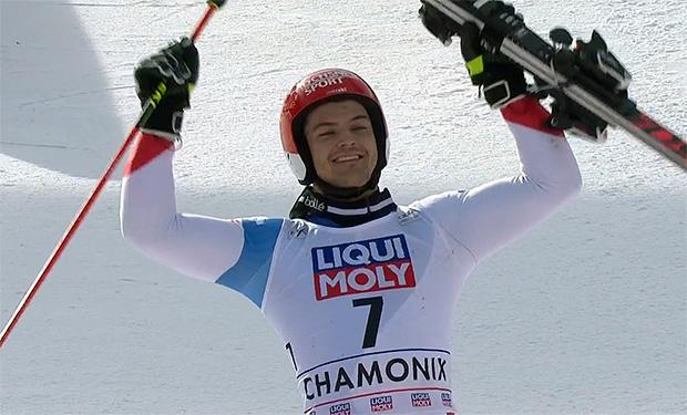 Loic Meillard gewinnt Parallel-Riesenslalom in Chamonix