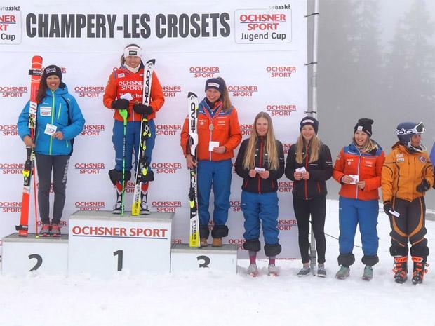 © swiss-ski.ch / Die Gewinnerinnen der Schlusswertung: Aline Höpli (1.), Selina Egloff (2.) und Sarah Zoller (3.)