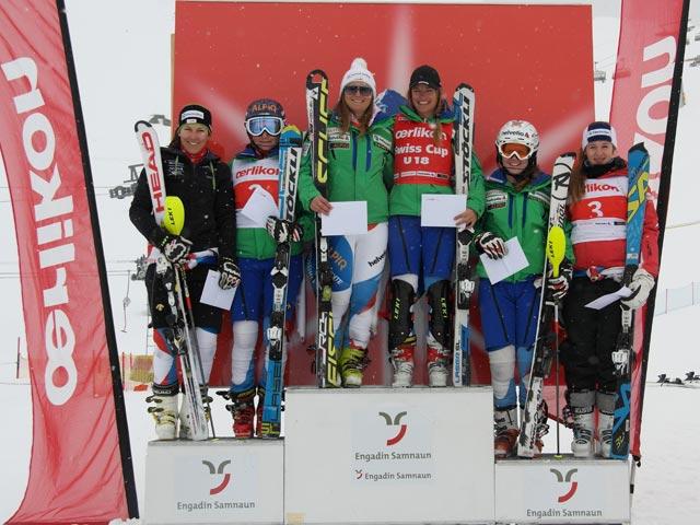 © swiss-ski.ch  /  Die Siegerpodeste des Oerlikon Swiss Cup 2013 U18 und U21 vereint (v.l.n.r.) Wendy Holdener, Luana Flütsch, Priska Nufer, Julie Dayer, Rahel Kopp und Lara Zürcher.