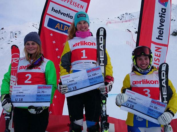 © swiss-ski.ch / Podest Kat. U18. V.l.n.r.: Charlene Genolet, Aline Danioth, Luana Gander