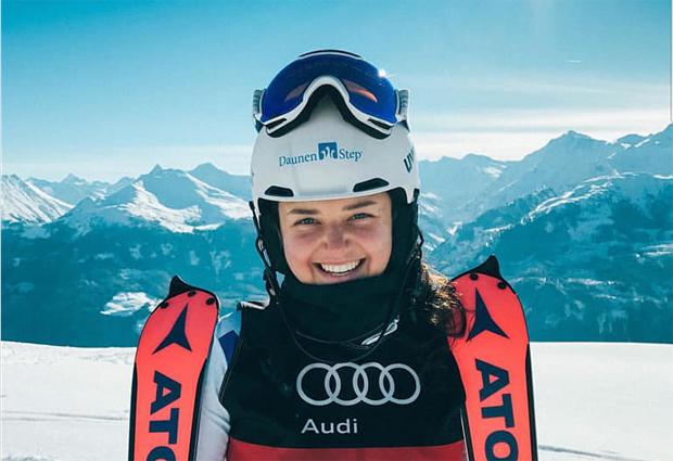 Mit Vera Tschurtschenthaler kommt die azurblaue Slalom-Königin aus Südtirol (Foto: ASC Drei Zinnen Raiffeisen / Facebook)
