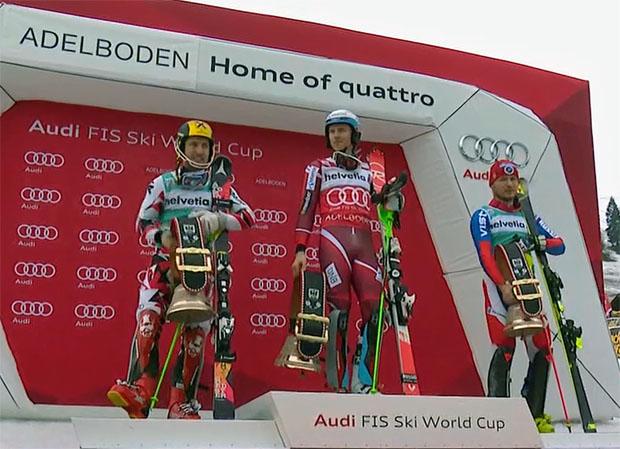 Slalom 2016: Die siegreichen Athleten mit den traditionellen Sieger-Glocken