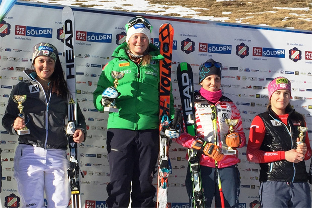 FIS Slalom in Sölden: Franziska Gritsch, Magdalena Agerer, Susanne Weinbuchner und Christina Ager (Foto: Gerhard Agerer)