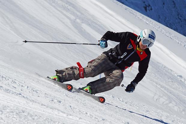 Lisa Magdalena Agerer zieht, nach sieben Monaten Zwangspause, ihre ersten Schwünge im Schnee. (Foto: Gerhard Agerer)