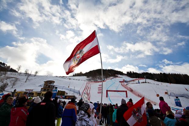 © DANIEL GOLLNER / Bad Kleinkirchheim Tourismus - Fans im Zielraum