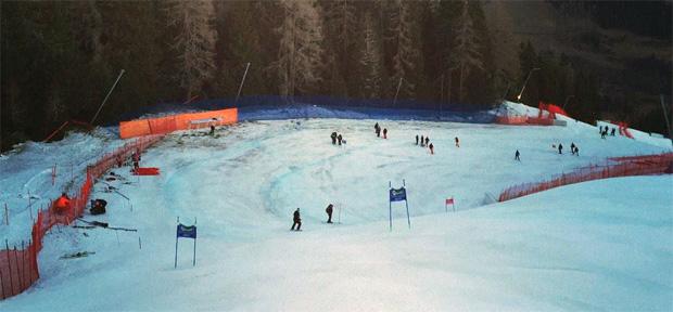 © facebook / FIS Alpine World Cup Tour: In Bad Kleinkichheim wird mit vollem Einsatz gearbeitet