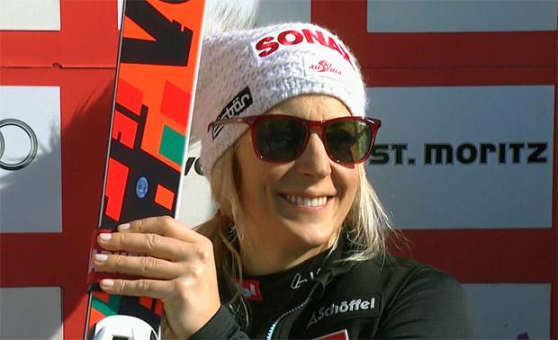 Eva-Maria Brem greift im Riesenslalom-Weltcup, nach Platz eins im 1. Durchgang von St. Moritz, nach der kleinen Kristallkugel