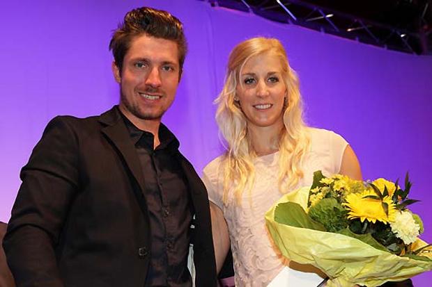 Marcel Hirscher und Eva-Maria Brem wurden bei der Länderkonferenz in St. Pölten für ihre großartigen Leistungen in der abgelaufenen Saison ausgezeichnet. (Foto: ÖSV/Erich Spiess)