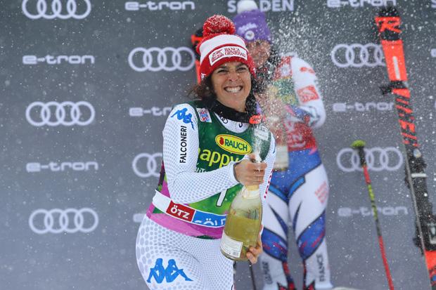 © Archivo FISI / Federica Brignone lässt die Riesentorlauf-Kugel nicht aus den Augen (Photo: Marco Trovati /Pentaphoto)