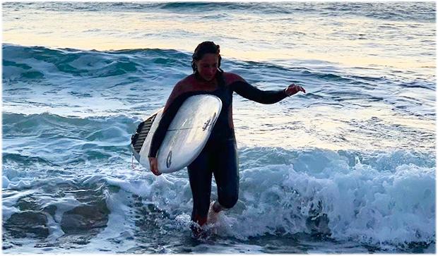 Federica Brignone, von der perfekten Welle zur perfekten Kurve (Foto: © Federica Brignone / Facebook)