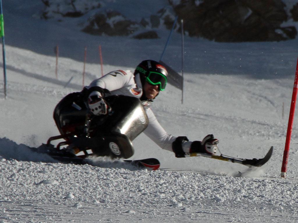 © Hujara Manuel  /  Claudia Lösch (NOE) im Riesentorlauf