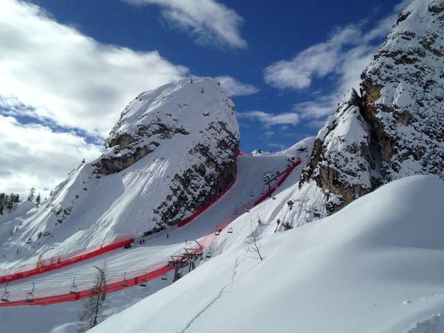 © swiss-ski.ch / Der Tofano-Schuss heute: blauer Himmel.