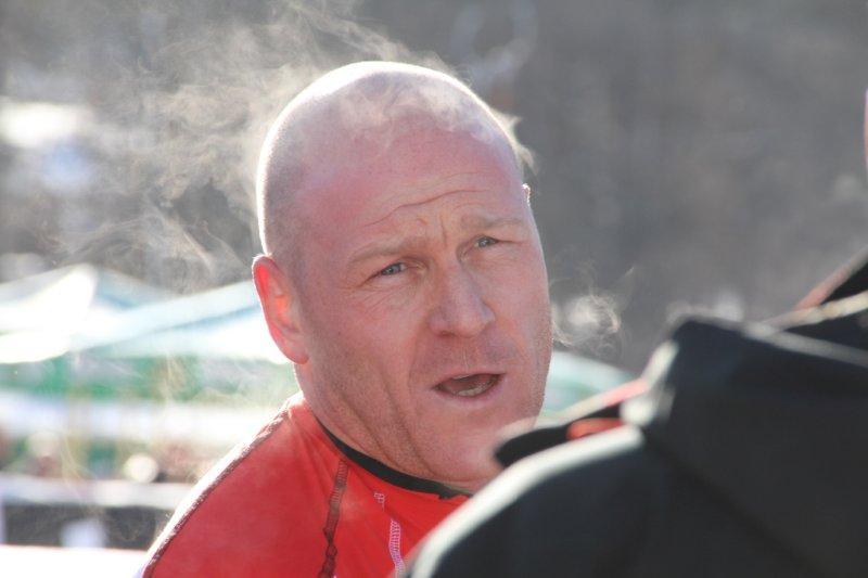 Didier Cuche raucht nach dem Trainingslauf in Kitzbühel nicht der Kopf