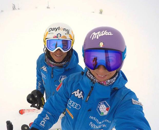 Irene und Elena Curtoni beim Training auf dem Hintertuxer Gletscher (Foto Facebook: Elena Curtoni)