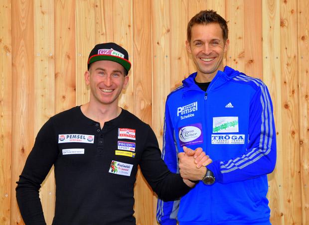 © Schrittwieser - Marc Digruber nimmt kurz vor der Abreise nach Finnland die Glückwünsche seines Managers Manuel Brunner (VMG GmbH Purgstall) entgegen.