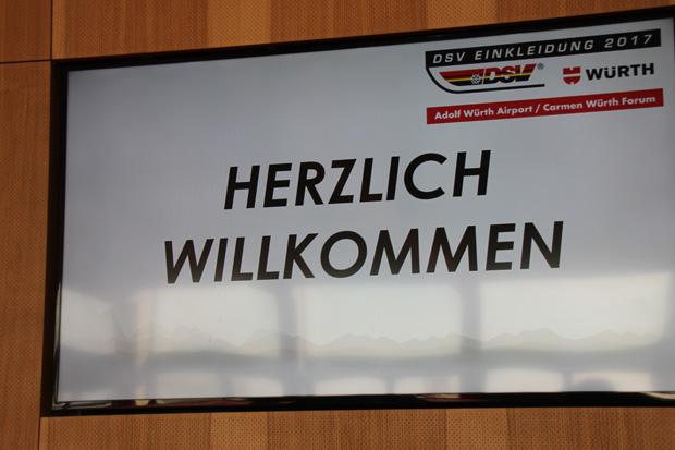 Im Rahmen der DSV Einkleidung in Künzelsau, wurde vom Deutschen Skiverband die Vertragsverlängerung  mit der Firma Würth und Infront bekanntgegeben (Foto: Skiweltcup.TV / Walter Schmid)