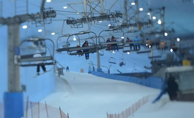 Skifahren in Dubai - Draußen Hitze, drinnen Schnee