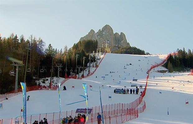 Viele Ski Weltcup Teams arbeiten intensiv im Fassatal