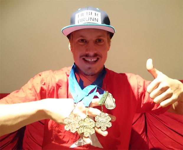 Markus Feller freut sich über Sieg beim Riesenslalom von Coronet Peak (Foto: Manuel Feller / facebook)