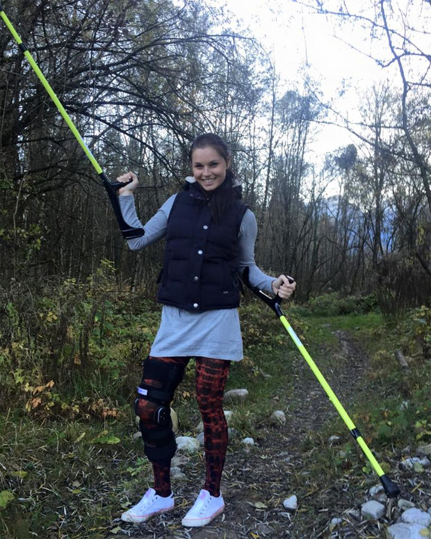 """""""Ich wünschte es wären Ski-Stöcke."""" (Foto facebook / Anna Fenninger)"""