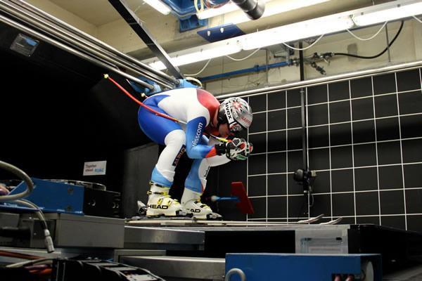 © swiss-ski.ch / Die Swiss-Ski Athleten überlassen nichts dem Zufall und optimieren auch die kleinsten Details. Im Bild: Beat Feuz