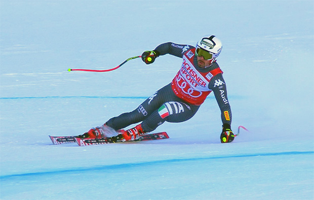 Peter Fill freut sich bei Abfahrt von Val d'Isère über Platz 2