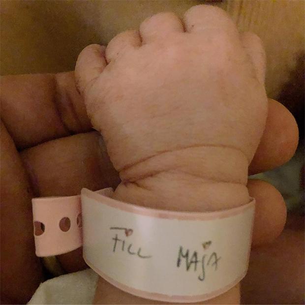 Maja ist da!!! Peter Fill wird zum dritten Mal Vater (© Peter Fill / Facebook)