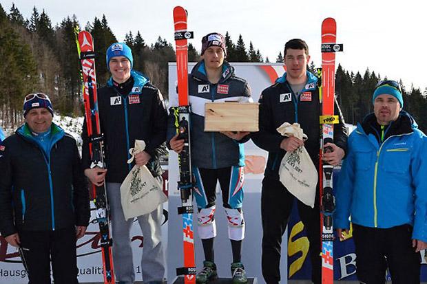 Siegerbild vom ersten FIS-Riesentorlauf in Hochficht: (v.l.) Pirmin Hacker, Magnus Walch und Mathias Graf | (Foto: ÖSV)