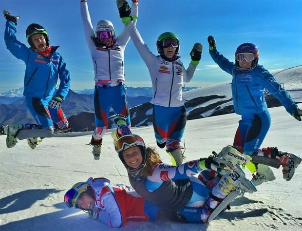 © Anne-Sophie Barthet / Ein Blick auf die französischen Ski-Damen ist gestattet