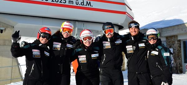 Manuel Gamper und die Schweizer Skidamen