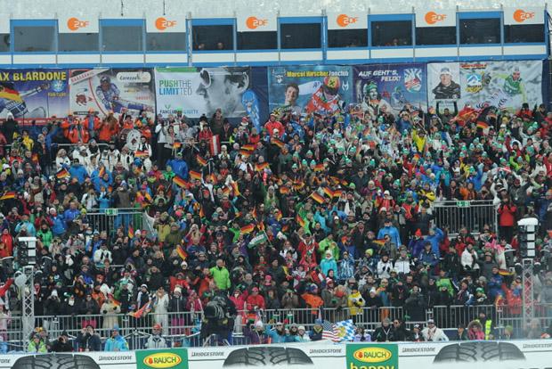 Starker Schneefall gefährdet Abfahrtslauf in Garmisch-Partenkirchen