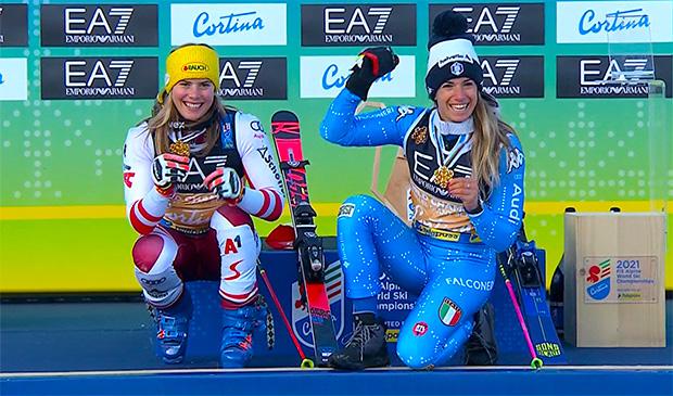 Katharina Liensberger und Marta Bassino konnten sich über Gold im Parallel-Rennen freuen.