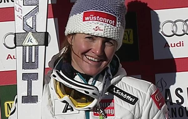 Elisabeth Görgl führt beim Riesenslalom in Aspen
