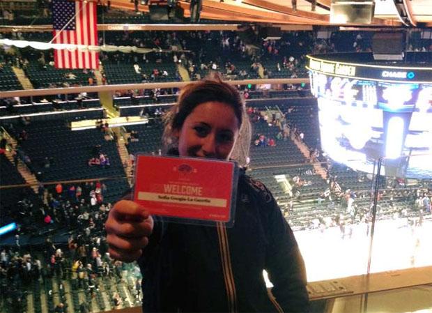 Sofia Goggia beim Spiel der New York Knicks gegen New Orleans Pelicans im Madison Square Garden (facebook / Sofia Goggia)