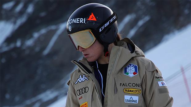 """Sofia Goggia: """"Ich muss meine Stabilität mental und skifahrerisch wieder finden."""" (Foto: © FISI/Pentaphoto/Marco Trovati)"""