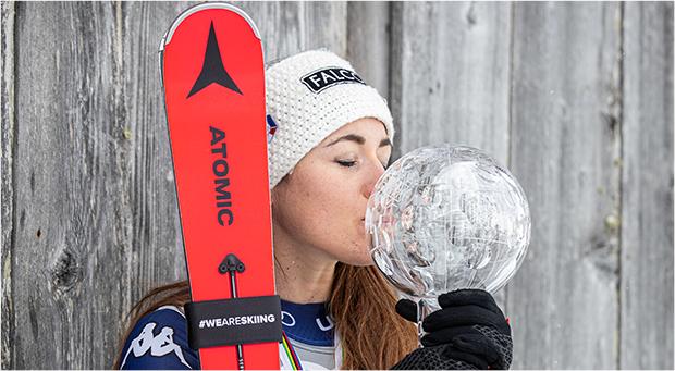 Sofia Goggia nimmt den Riesenslalom Weltcup Auftakt in Sölden in Angriff (Foto: © Denis Dietrich (Atomic Marketing))